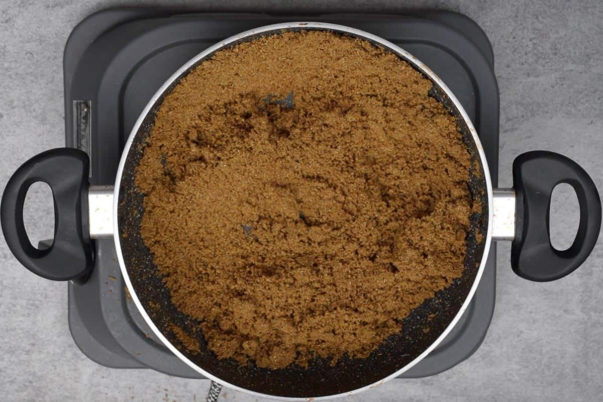 Roasted coriander powder.