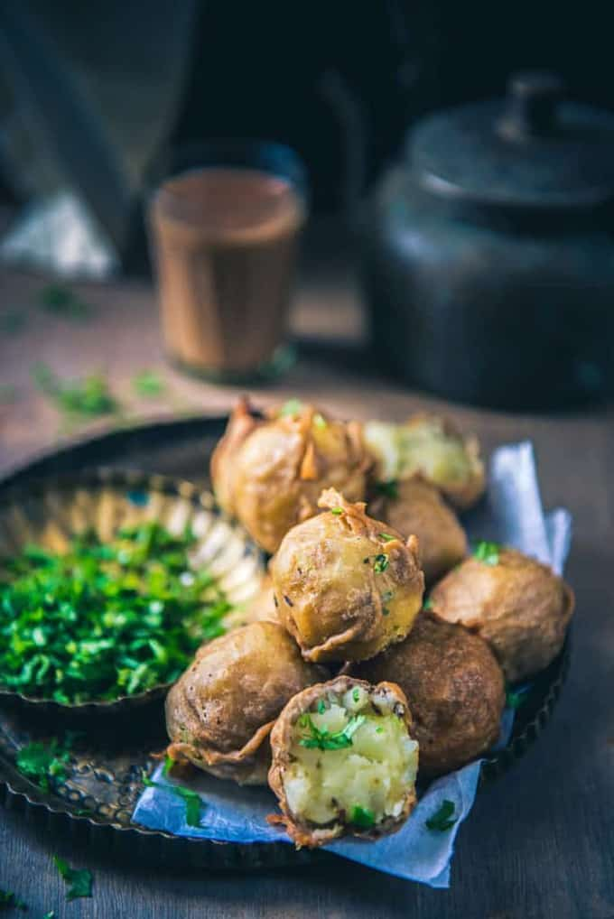 Farali Batata Vada has this toothsome base of potatoes which is sauteed with spices and finally its fritters are made by coating it with kuttu ka aata.
