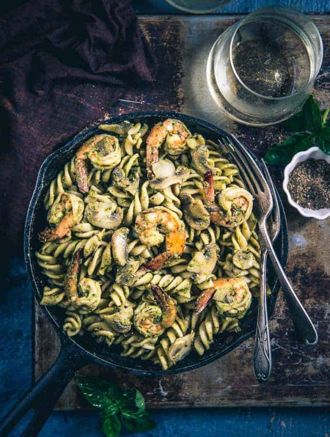 Pesto Prawns Mushroom Pasta has this amazing combination of sauteed mushrooms, prawns, subtle taste of olive oil and yumminess of pasta.