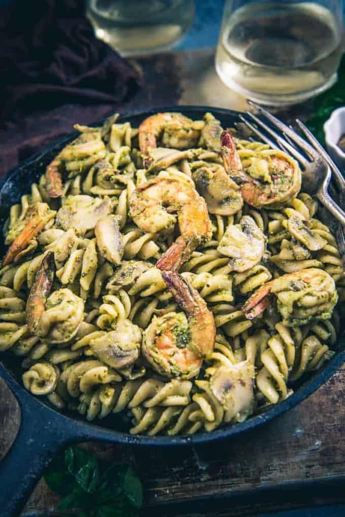 Pesto Prawns Mushroom Pasta has this amazing combination of sauteed mushrooms, prawns, subtle taste of olive oil and yumminess of pasta.