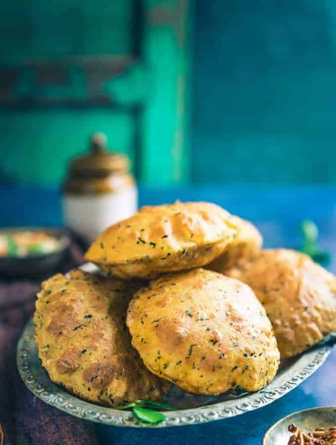 Combined with the goodness of fresh methi leaves, ajwain, curd and basic spices, Dahi Methi Poori turns out as a clear winner during any meal.