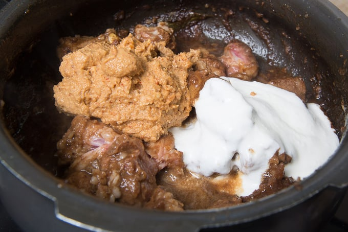 Yogurt and masala paste added in the pan.