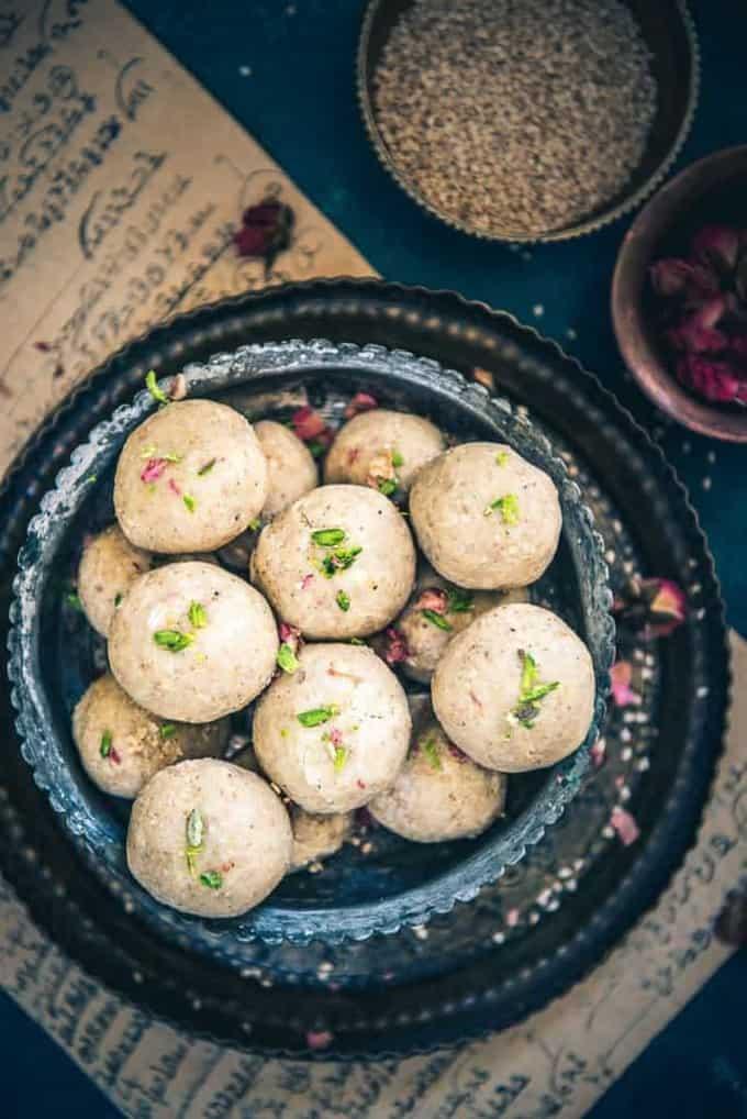 Til Mawa Ladoo Recipe, How to make Til Mawa Ladoo