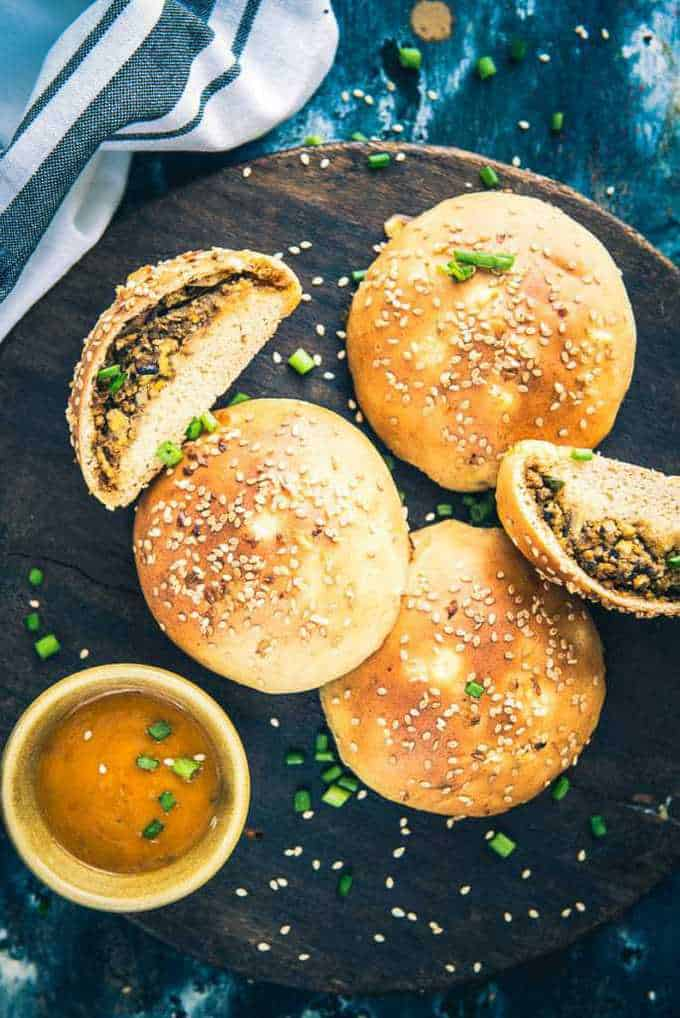Indo Chinese Mushroom Bread Buns is a delicious Indo Chinese flavoured bread recipe which is perfect to serve as evening snacks.