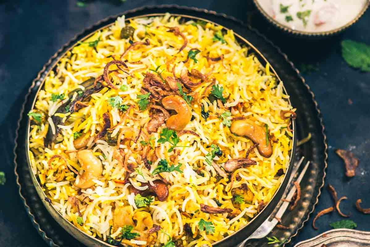 Traditional hyderabadi vegetable dum biryani recipe whiskaffair forumfinder Images