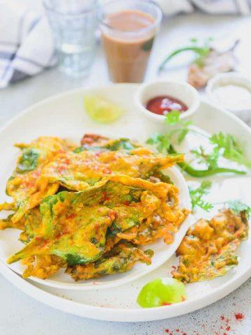 Palak Pakora Recipe, Palak Pakoda Recipe, how to make palak pakoda in hindi, palak pakoda recipe video