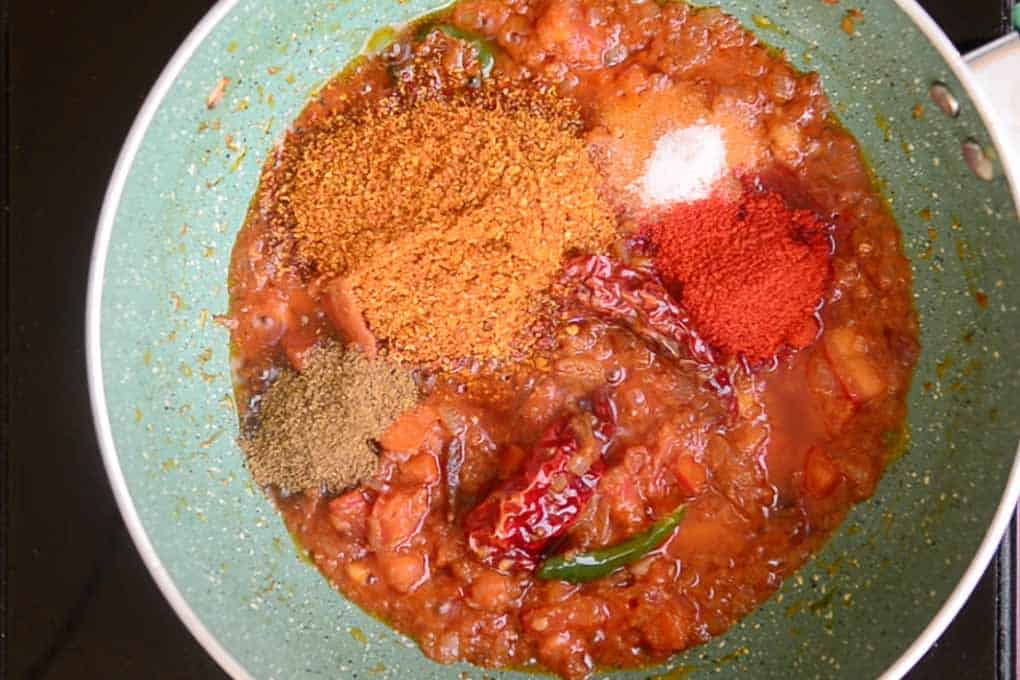 Dry spice powder added in the pan