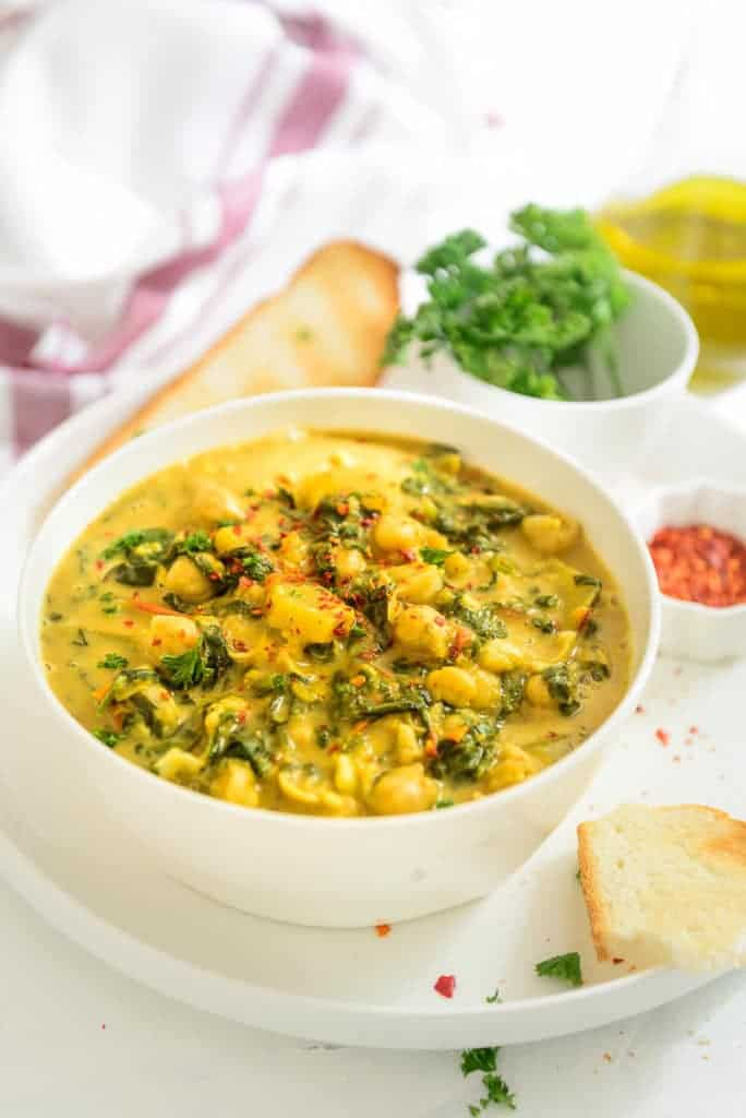 One Pot Chickpea Pumpkin Coconut Curry I Pumpkin Curry with Chickpeas