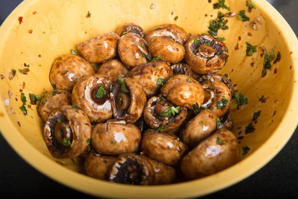 Healthy Oven Roasted Garlic Mushrooms (Step by Step ...