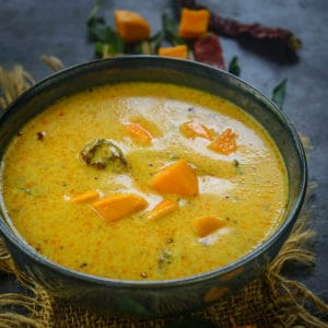 Fajeto or Mango Kadhi or Aam Ki Kadhi is a Gujarati dish made using yogurt, chickpea flour, and ripe mangoes. It was traditionally made using the seed of ripe mangoes to utilize all the pulp that is attached to it after we eat it.