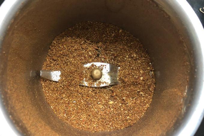 Ground chole masala.