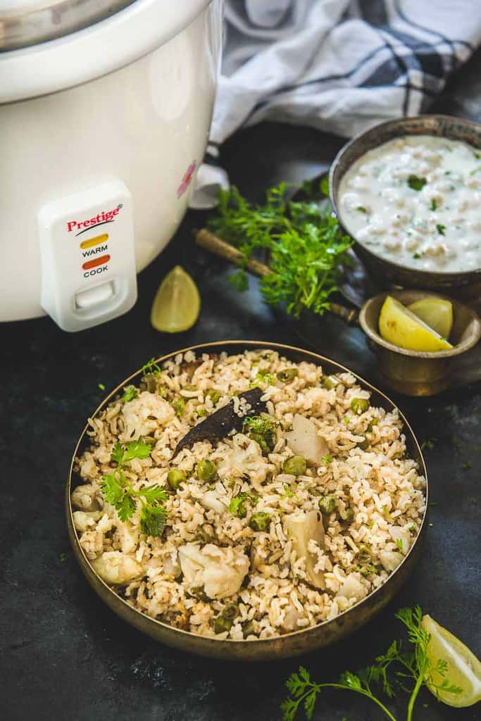Planning to give up white rice or wish to cut on the carbs? Then this recipe of healthy Brown Rice Pulao will surely help you to meet your #FitnessGoals!
