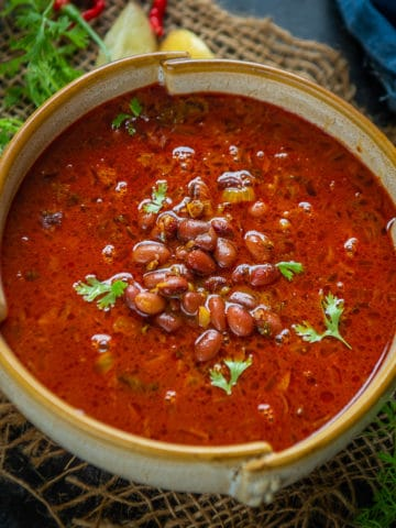 Kashmiri Rajma Masala is a delicious recipe with flavors from dry ginger powder and fennel powder. Here is how to make it.