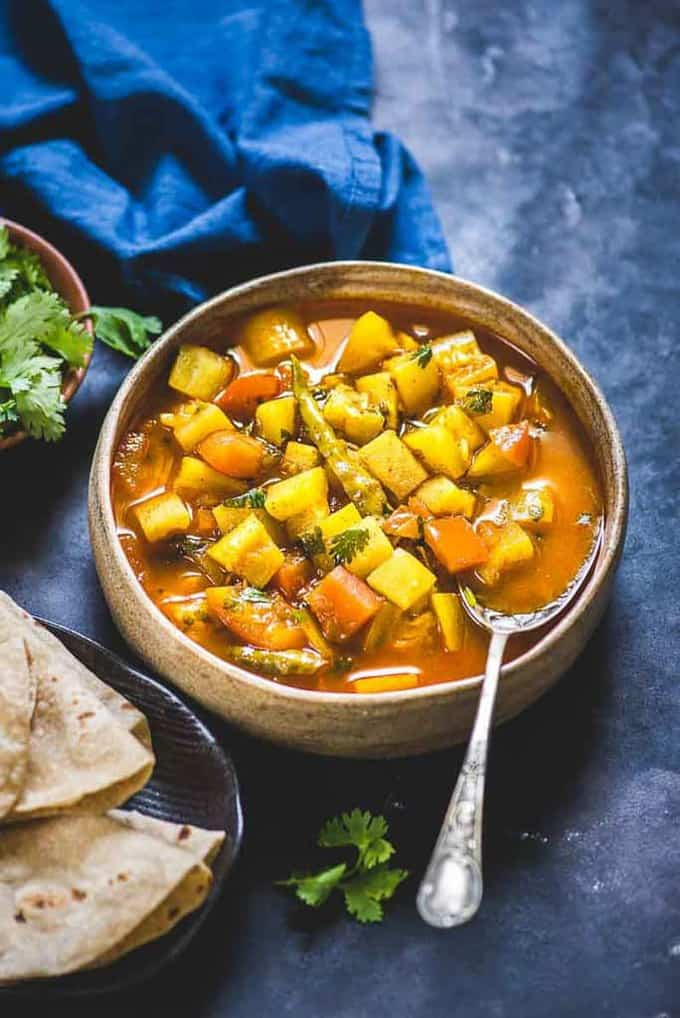 Want to serve your family a sabzi recipe that is both tasty and nutritious? Boil down on Lauki Tamatar Sabzi that perfectly fits the mould