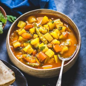 Want to serve your family a sabzi recipe that is both tasty and nutritious? Boil down on Lauki Tamatar Sabzi that perfectly fits the mould!