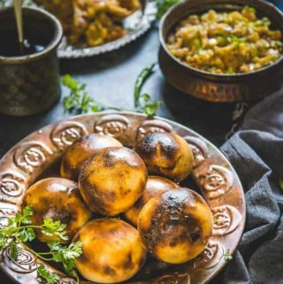 Litti Chokha is a traditional Bihari and Jharkhandi dish that is quite similar to Rajasthani Baati but still very different.