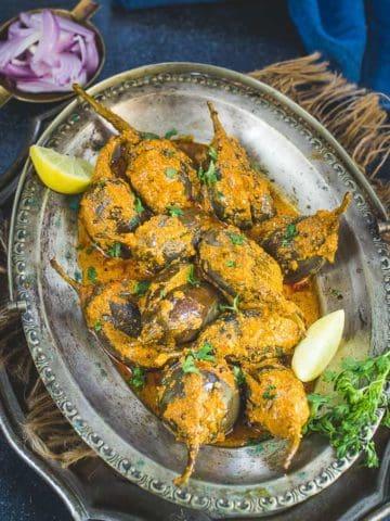 Bharli vangi served in a plate.