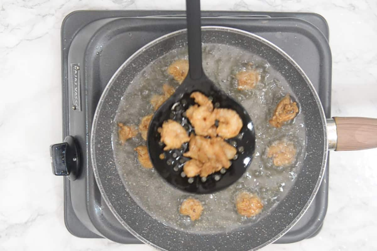 Crispy fried prawns.