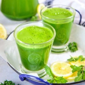 Packed with all the vital nutrients derived from fresh green and a dash of lemon juice, Super Green Detox Drink is indeed a magical drink!