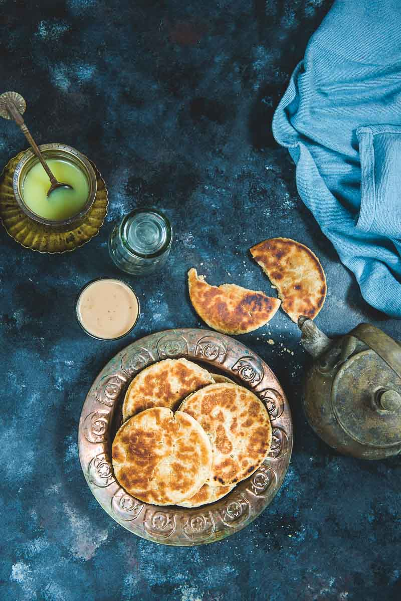 Roat Recipe is a Uttarakhand Style Sweet Flatbread which is subtly flavoured with fennel seeds and cardamom. Here is a recipe to make it.