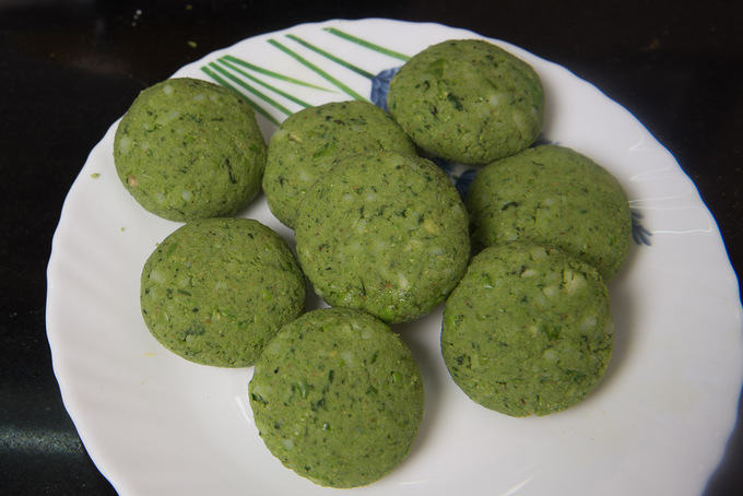 Small kababs made from the mixture.