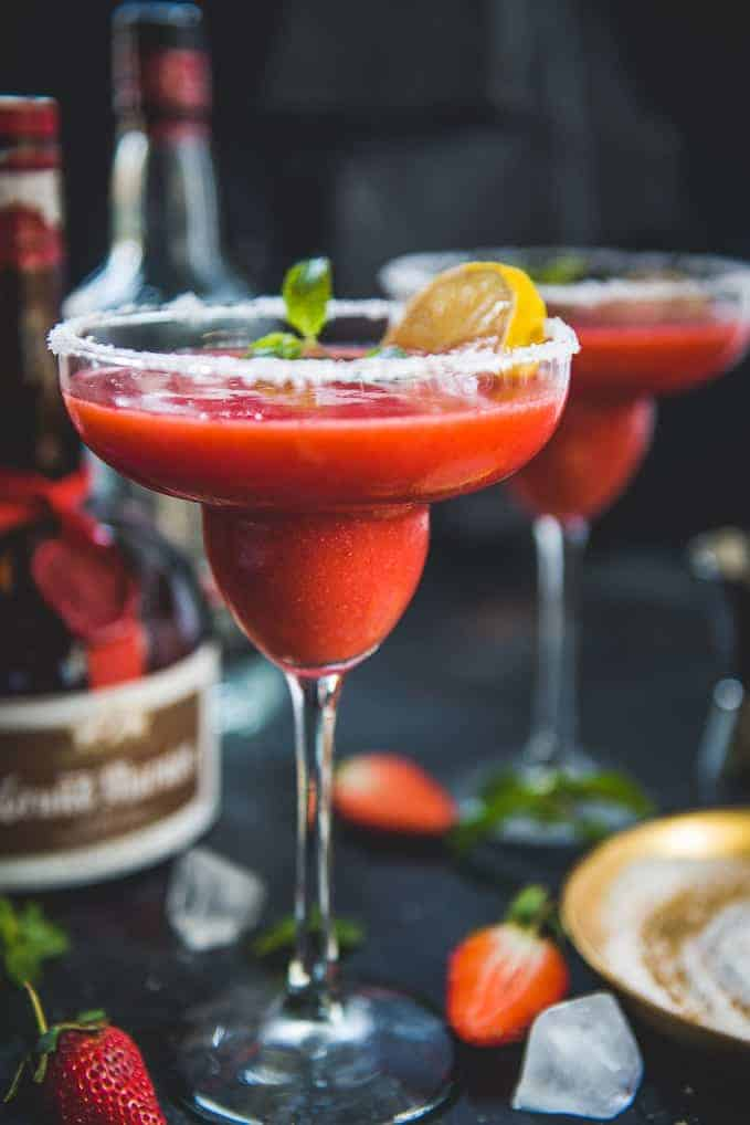 Chili S Copycat Frozen Strawberry Margarita Recipe Whiskaffair
