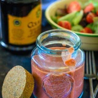 Easy Balsamic Strawberry Vinaigrette Recipe (Strawberry Salad Dressing)