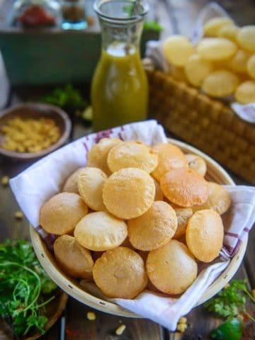 Atta Golgappa served in a basket.