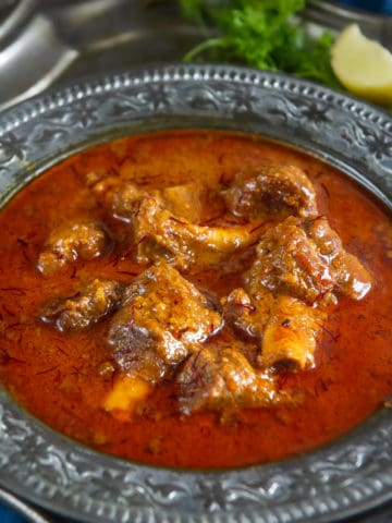 Mutton Korma is one of the best mutton recipes to try. It is cherished as an authentic Lucknowi/Awadhi dish which is rich and full of flavors. Not to mention that it was loved by Mughal rulers as well.