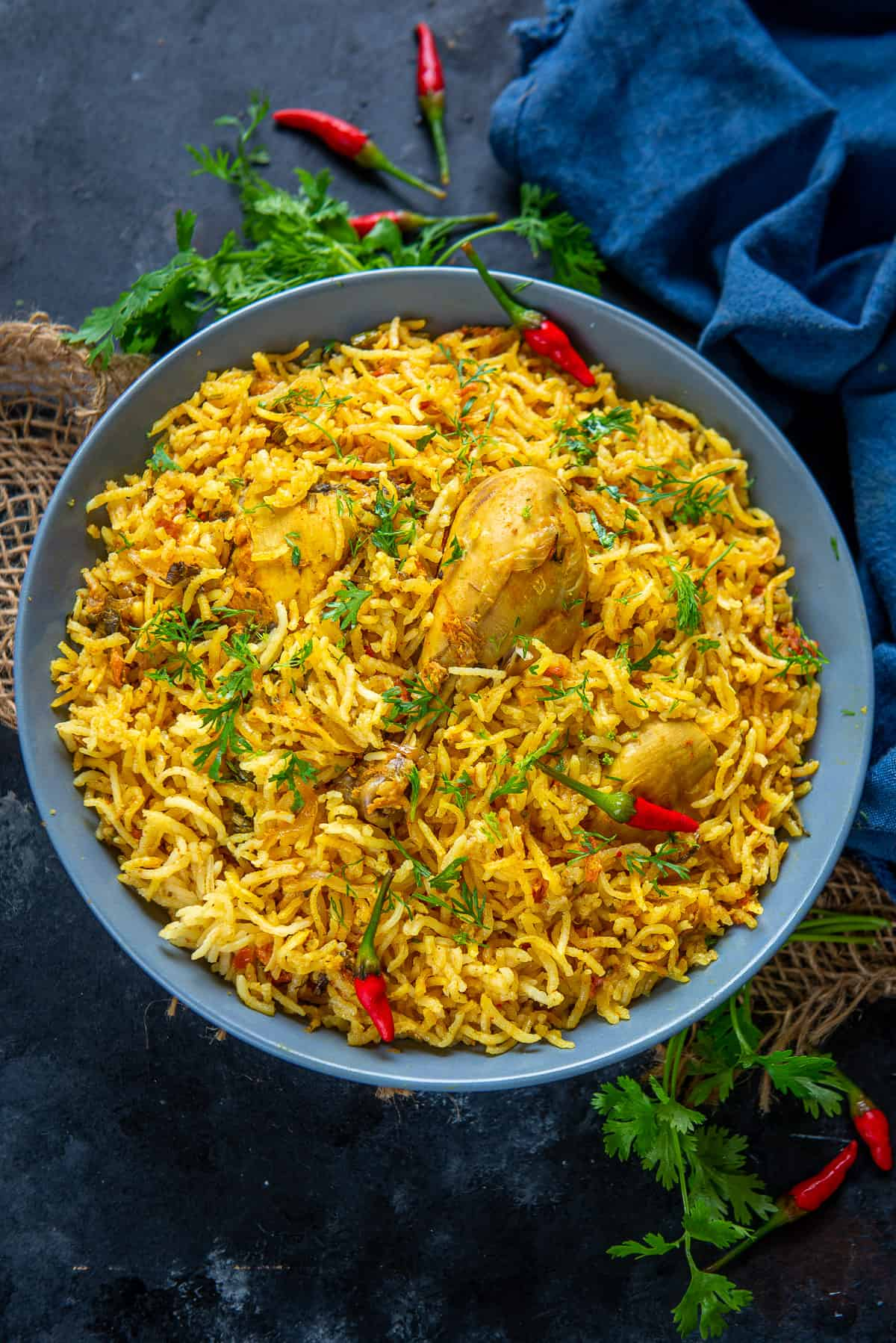 Chicken pulao served in a bowl.