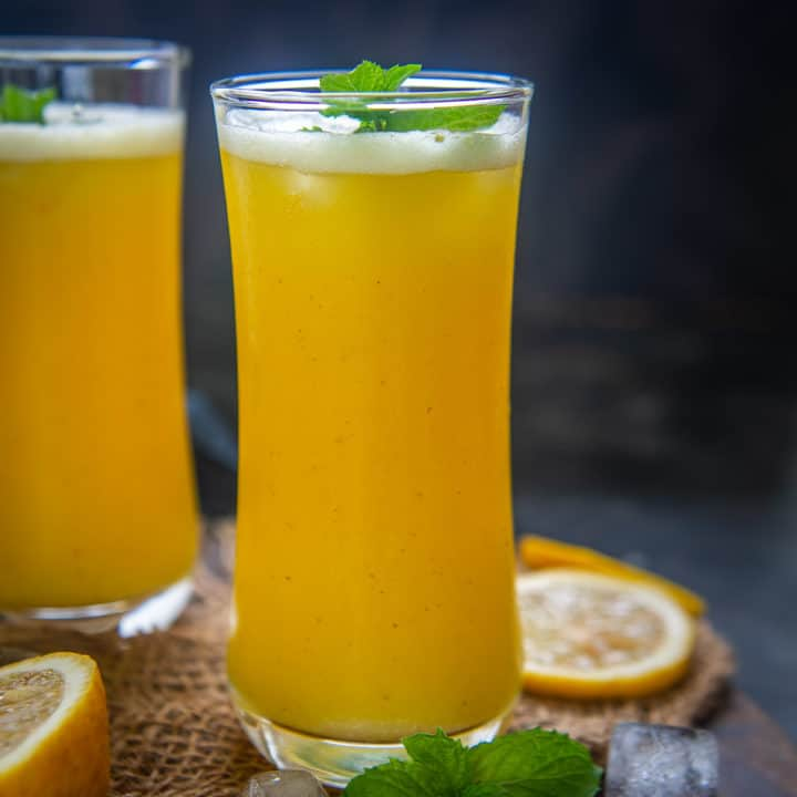 All made in a minute's time through a simple mix in the grinder, homemade Fresh Pineapple Juice takes you on a fantastic tropical ride without a doubt! Here is how to make it at home.
