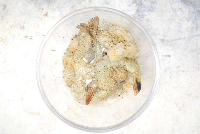 Shrimp seasoned with salt and pepper.