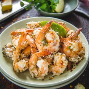 Soothingly textured on the outside and tender on the inside, that's baked Garlic Parmesan Shrimp for you all!