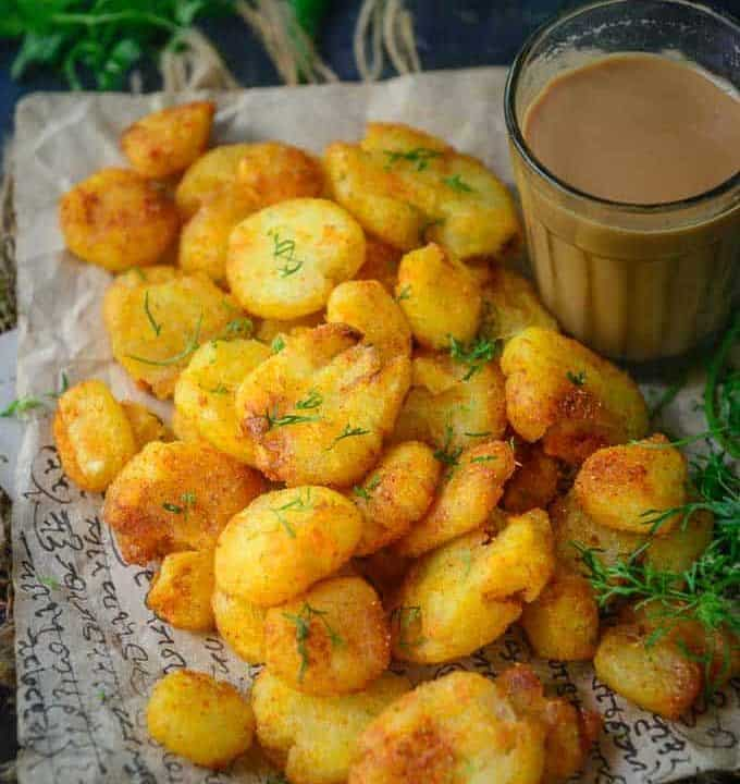 Aloo Tuk served on a plate.