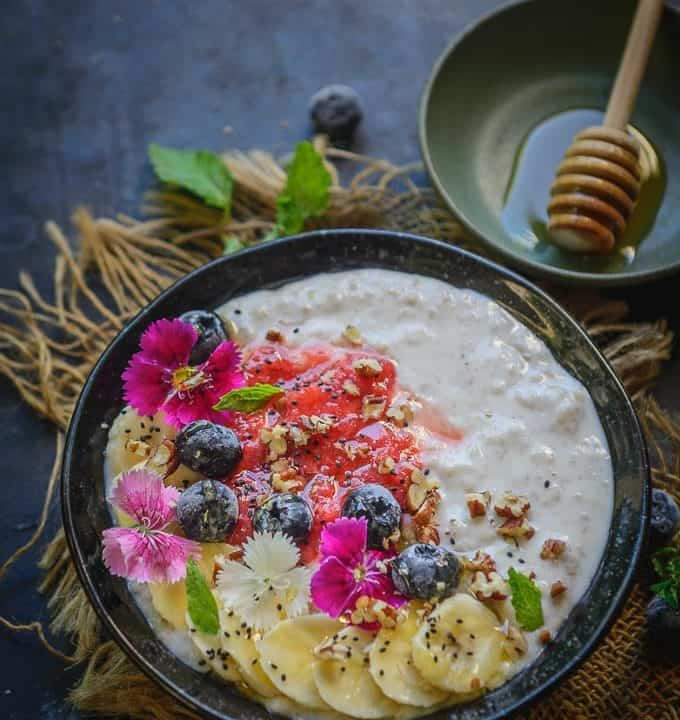 Instant Pot Steel Cut Oats served in a bowl.