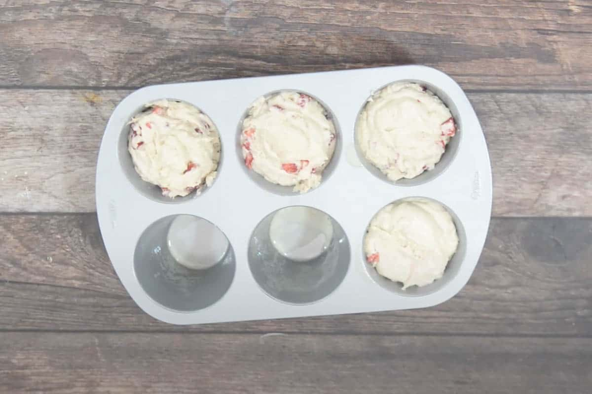 batter poured in muffin tray.