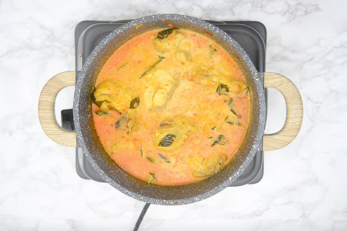 Ready coconut chicken curry.