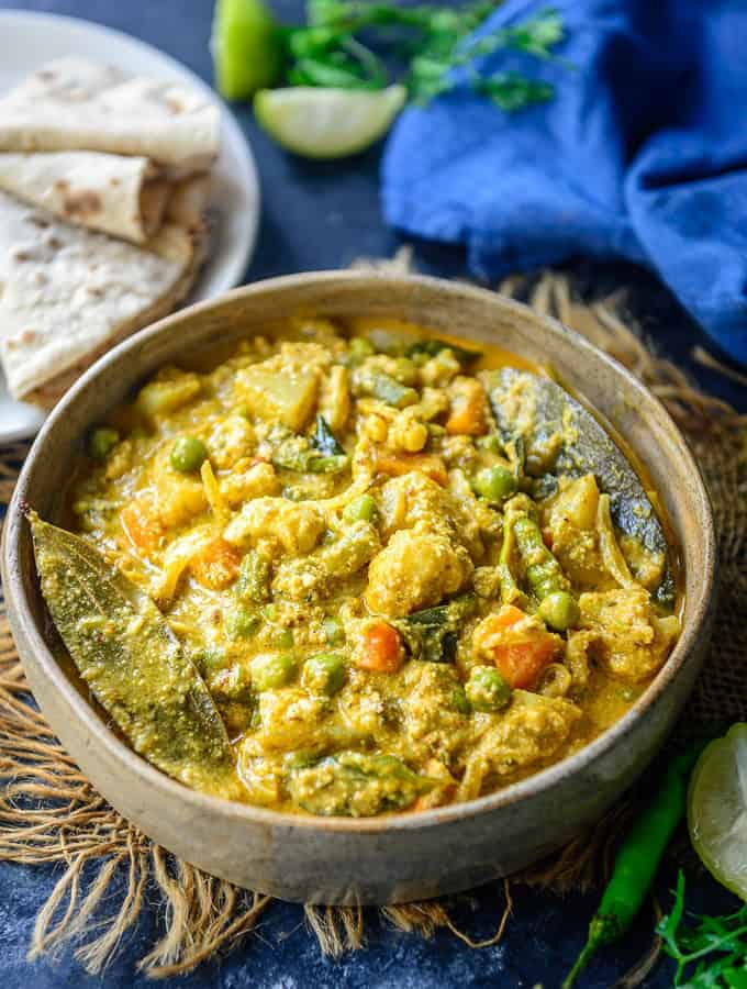 Mix Veg Kurma served in a bowl.