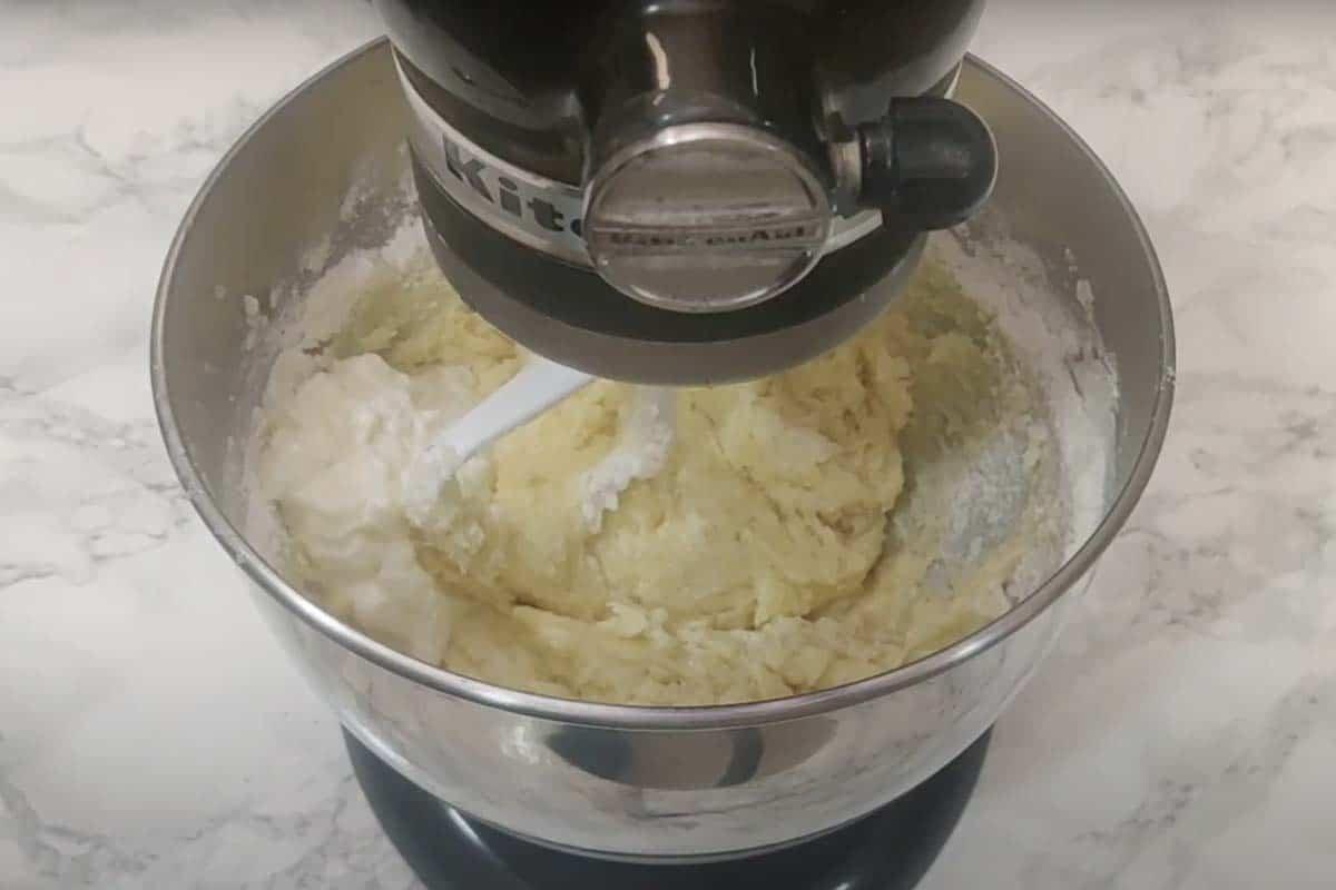 Yogurt added in the bowl.