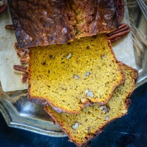 This homemade Pumpkin Banana Bread is very moist and has fabulous crumbs. Try this easy basic quick bread recipe to make it at home. Here is how to make it.