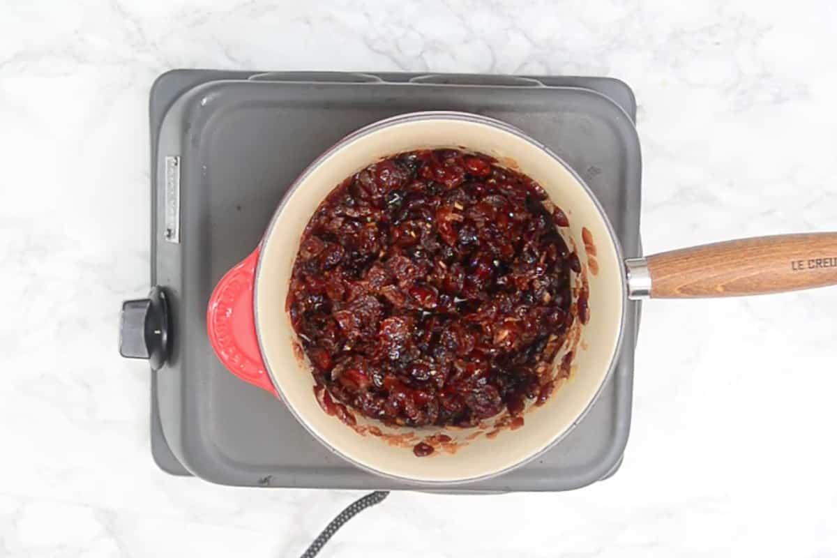 Ready cranberry chutney.