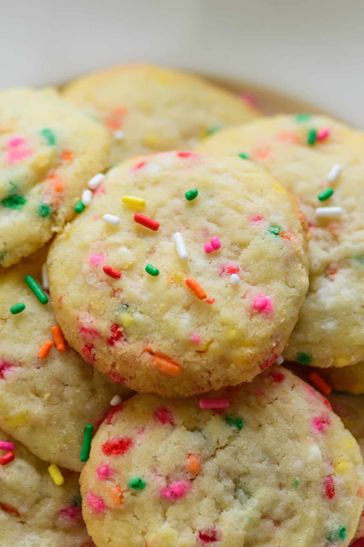 Close shot of funfetti cookies.