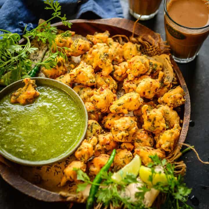 Crunchy from outside and soft from inside, these Moong Dal Pakoda or Moongode are Indian lentil fritters which can be served with green chutney. Here is how to make it.