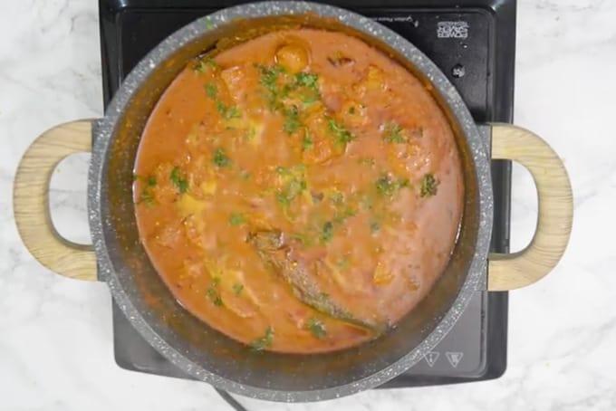 Ready soya chaap curry.