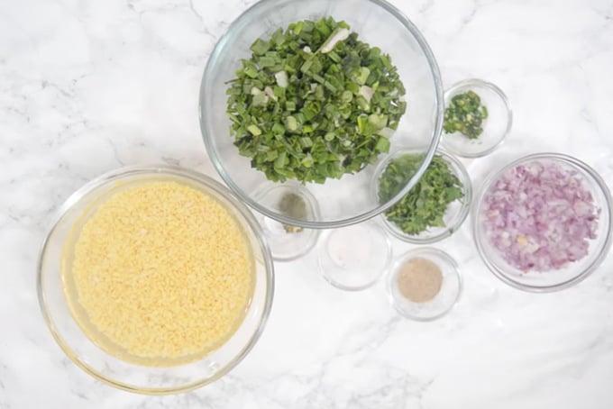 Moong dal pakoda ingredients