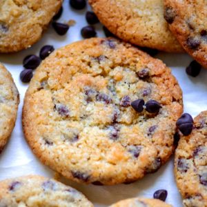 With crispy edges and a soft chewy center, these eggless chocolate chip cookies are perfections. Made using a handful of ingredients in under 30 minutes, these egg-free cookies will surely become your favorite.