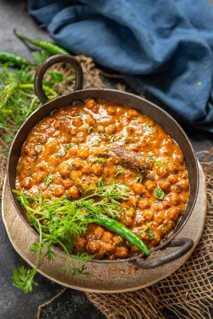 kala chana served in a bowl.