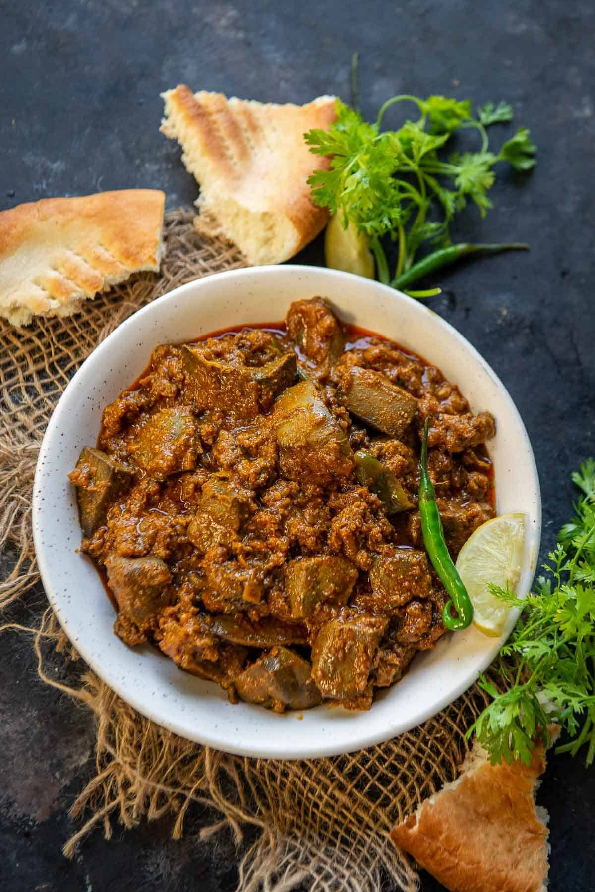 Keema Kaleji served in a bowl.