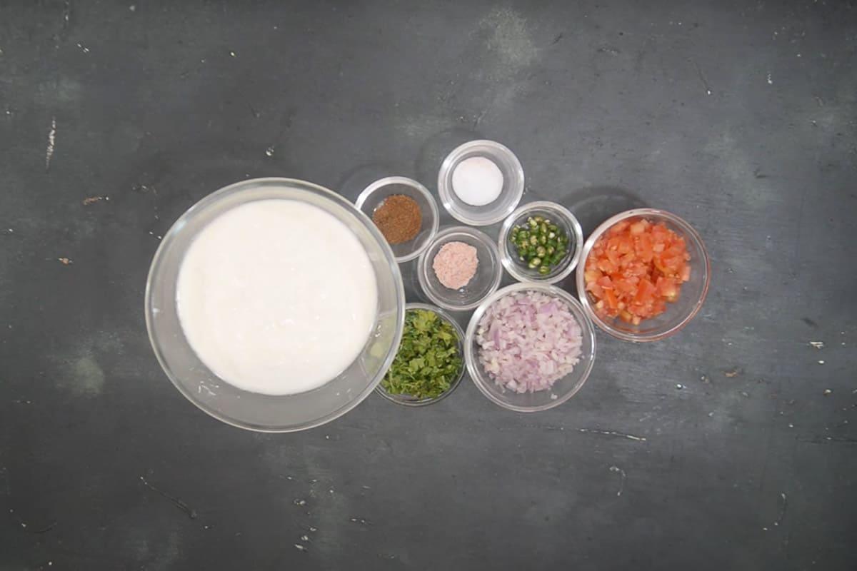 Raita ingredients.