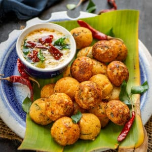 Rava Appe, Rava Paniyaram or Sooji Appe is an Instant South Indian breakfast dish which is delicious and very easy to make. Here is how to make it.
